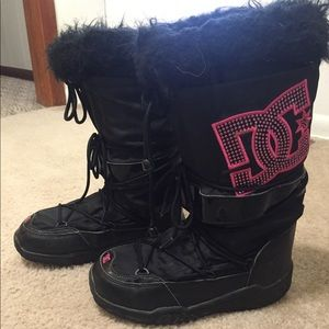 DC snowboard/snowmobile boots